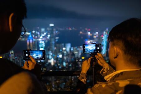 你的随行摄影师vivoX27 Pro 镜头下的香港质感潮流
