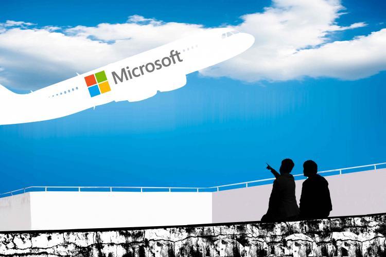 Windows业务前负责人晒自用电脑:微软尴尬吗?